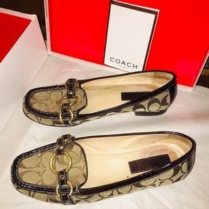 Coach sig.  Erlyn Flats size 8.5 in original box